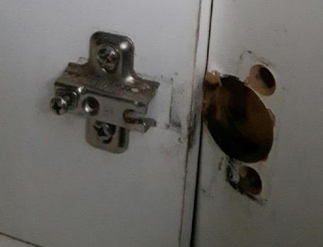 cabinet hinge repair
